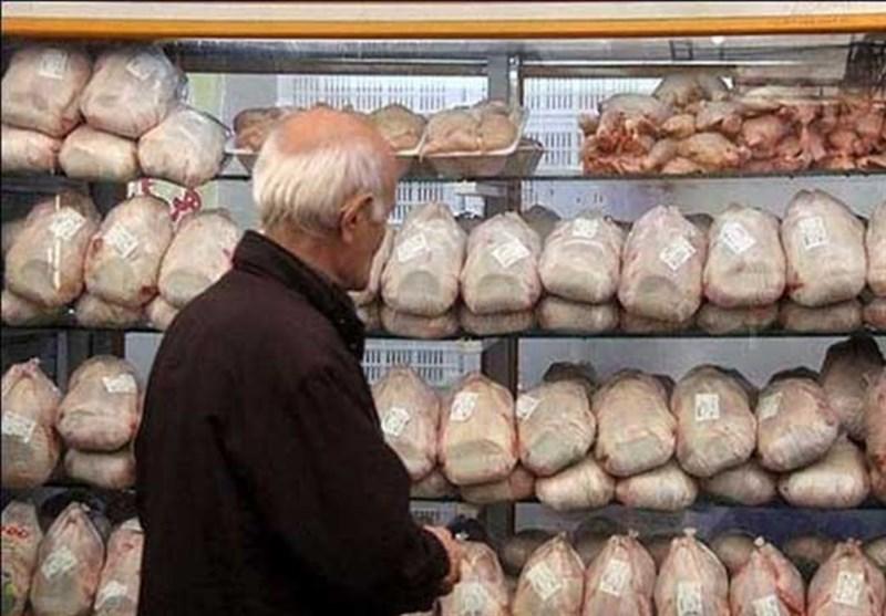قیمت مرغ در بازار ۱۰۰۰ تومان کاهش یافت